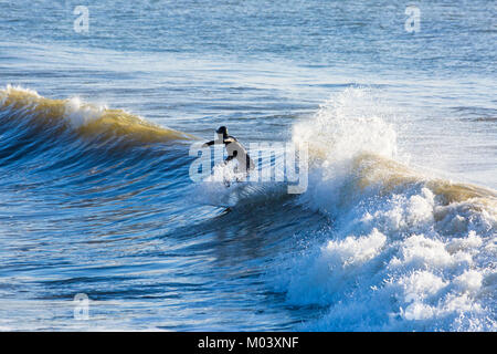 Bournemouth, Dorset, UK. 18th Jan, 2018. UK weather: after a very windy night a lovely sunny day at Bournemouth - Stock Photo