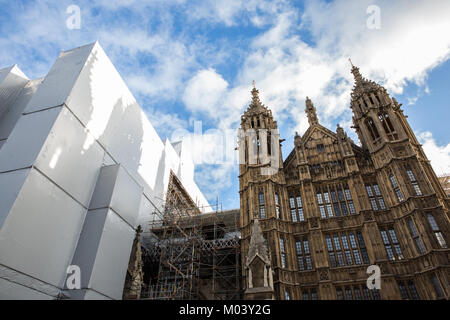 London, UK. 18th Jan, 2018. Scaffolding around the Palace of Westminster whilst refurbishment work continues. A - Stock Photo