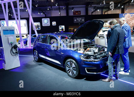 Brussels. 18th Jan, 2018. Photo taken on Jan. 18, 2018 shows Volkswagon e-Golf during the 96th European Motor Show - Stock Photo