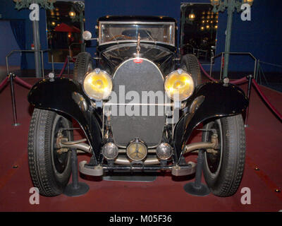 Bugatti Limousine Type 41 'Royale' (1933) pic6 Stock Photo ... on ferrari limousine, porsche limousine, chrysler limousine, range rover limousine, dodge limousine, big limousine, truck limousine, tank limousine, maserati limousine, lexus limousine, fiat limousine, honda limousine, audi limousine, lamborghini limousine, bentley limousine, maybach limousine, mercedes-benz limousine, toyota limousine, rolls-royce limousine, lincoln limousine,