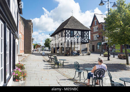 Town Hall Tea Rooms, High Street, Royal Wootton Bassett, Wiltshire, England, United Kingdom - Stock Photo
