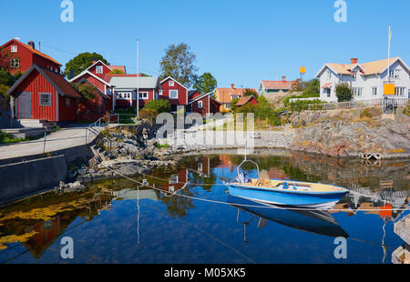Community on island of Oja (Landsort), Sweden, Scandinavia Oja is the southernmost island in the Stockholm archipelago. - Stock Photo
