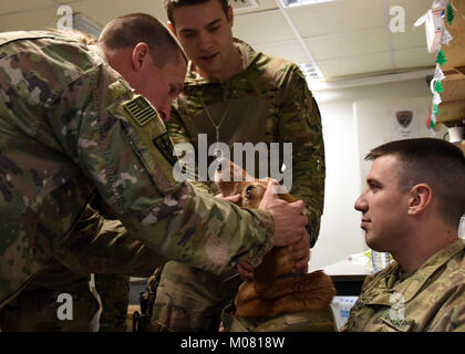 Soldiers with Detachment 1, Charlie Company, 2-211th General Support Aviation Battalion, Medical Evacuation (MEDEVAC), - Stock Photo
