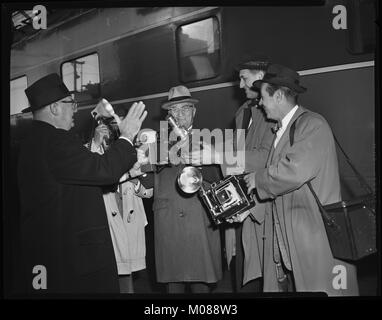 Harry S.Truman surrounded by photographers at Chicago Press Photographers Assn Photo Journalism Conference. Nov - Stock Photo