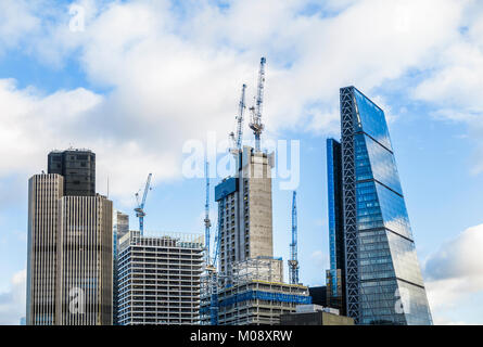 City of London skyscrapers including the Cheesegrater and Tower 42 and new buildings under construction, 22 Bishopsgate - Stock Photo