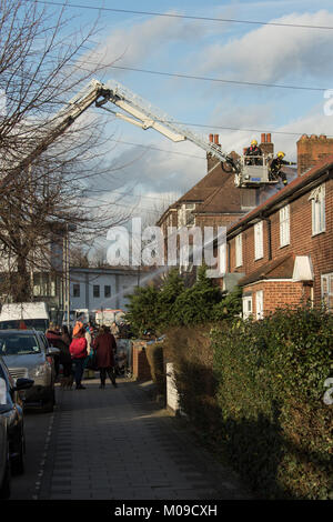 Dagenham, UK. Friday 19th January 2018. Dagenham - house fire 19 January 2018 Eight fire engines and 58 firefighters - Stock Photo