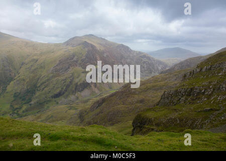Beautiful view of mountains from the Snowdonia National Park in Wales, Autumn. - Stock Photo