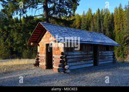 Restored Civilian Conservation Corp cabin (CCC) on the Sherman pass scenic byway in Eastern Washington State. - Stock Photo