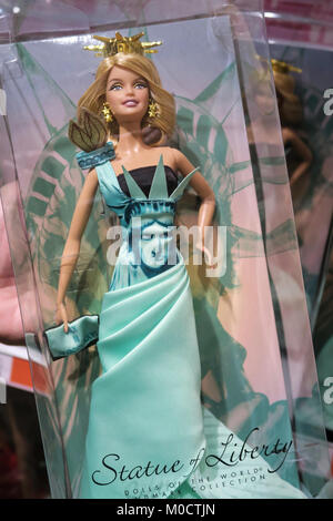 ... Toys R Us Interior at W. 42nd Street in Times Square NYC - Stock  sc 1 st  Alamy & The Barbie display at Toys R Us in Times Square in New York Stock ...