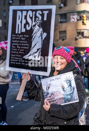 New York, USA, 20 Jan 2018.  Tens of thousands of demonstrators participate in the Women's March through New York - Stock Photo