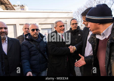 Turin, Piedmont, Italy. 21st Jan, 2018. TURIN, ITALY-JANUARY 21, 2018: Pietro Grasso, premier candidate of the Liberi - Stock Photo