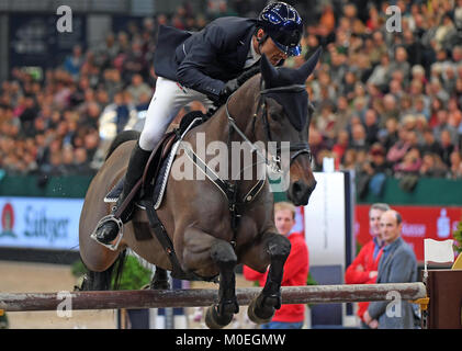 Leipzig, Germany. 21st Jan, 2018. Carlos Enrique Lopez Lizarazo of Colombia (2nd) on Admara 2 at the Longines FEI - Stock Photo