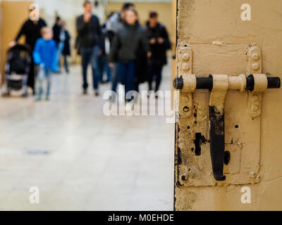 Barcelona, Spain. 21st Jan, 2018. The visitors could walk the galleries of the old prison 'La Model' in Barcelona, Spain Credit: Mariano Anton/Alamy Live News