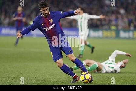 Sevilla, Spain. 21st Jan, 2018. FC Barcelona's Portuguese midfielder Andre Gomes (L) during a Spanish league La - Stock Photo