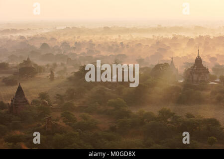 Rays of light on the Bagan valley in the early morning, Myanmar (Burma). - Stock Photo