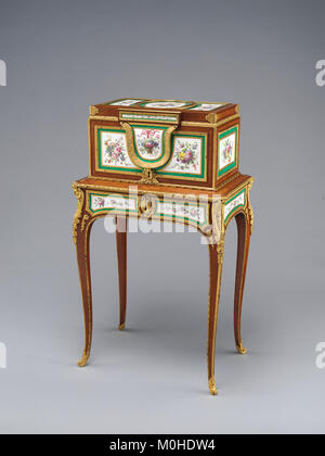 Jewel coffer on stand (petit coffre à bijoux) MET DP-14422-001 - Stock Photo