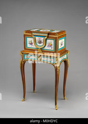 Jewel coffer on stand (petit coffre à bijoux) MET DP-14182-001 - Stock Photo