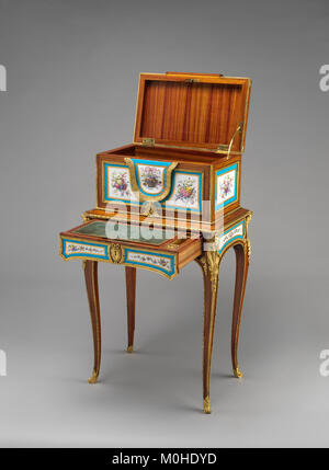 Jewel coffer on stand (petit coffre à bijoux) MET DP-14182-002 - Stock Photo