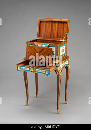 Jewel coffer on stand (petit coffre à bijoux) MET DP-14182-003 - Stock Photo