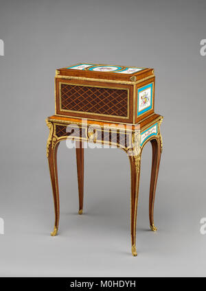 Jewel coffer on stand (petit coffre à bijoux) MET DP-14182-004 - Stock Photo