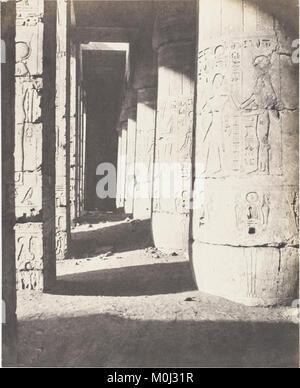 Médînet-Abou (Thèbes), Constructions Postérieures - Deuxieme Cour - Galerie Nord-Ouest MET DP138575 - Stock Photo