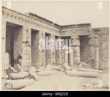 Médînet-Abou (Thèbes). Constructions Postérieures - Deuxiéme Cour MET DP71349 - Stock Photo
