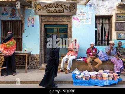 Daily life in the streets of Lamu Island, Kenya - Stock Photo