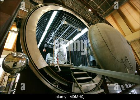 (180123) -- BEIJING, Jan. 23, 2018 (Xinhua) -- A taikonaut has a spacesuit experiment on April 18, 2008. Since the - Stock Photo