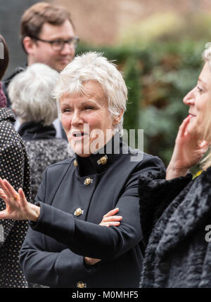 London, 23rd January 2018, Dame Julie Walters, actress and writer  arrives in Downing Street to present a Woman's - Stock Photo