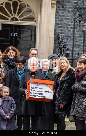 London, 23rd January 2018, Dame Julie Walters, actress and writer  arrives in Downing Street to presnet a Woman's - Stock Photo