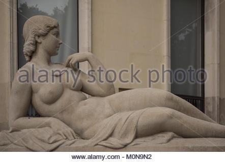 Paris, Palais de Tokyo, Skulptur (13 Avenue du PrÈsident Wilson, 75016 Paris) - Stock Photo