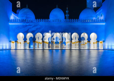 The architecture of the Sheikh Zayed Grand Mosque in Abu Dhabi, UAE - Stock Photo