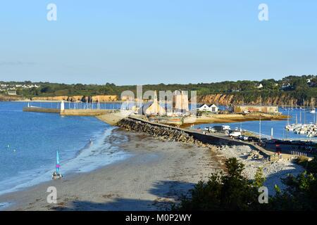 France,Finistere,Iroise Sea,Parc Naturel Regional d'Armorique (Armorica Regional Natural Park),Presqu'ile de Crozon,Camaret - Stock Photo
