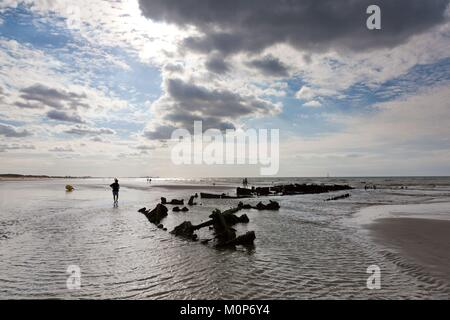France,Leffrinckoucke,wreck of the Crested Eagle,steamer wheel paddlewheel,bombed on 29 May 1940 during the dynamo - Stock Photo