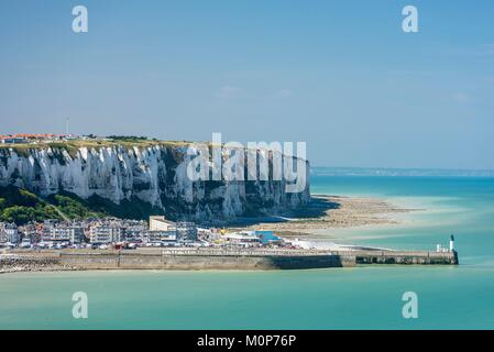 France,Somme,Mers-les-Bains,searesort on the shores of the Channel,view of hte cliffs of Le Treport (Seine-Maritime) - Stock Photo