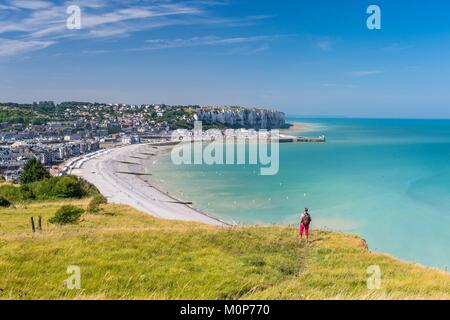 France,Somme,Mers-les-Bains,searesort on the shores of the Channel,cliffs of Le Treport in the background - Stock Photo