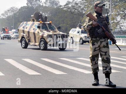 Kolkata, India. 23rd Jan, 2018. Tight security arrangements during the full dress rehearsal parade ahead of India's - Stock Photo