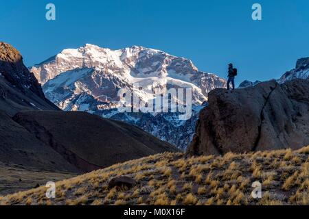 Argentina,Mendoza province,Aconcagua Pronvicial Park,Mt Aconcagua (6692m tallest mountain outside the Himalayan - Stock Photo