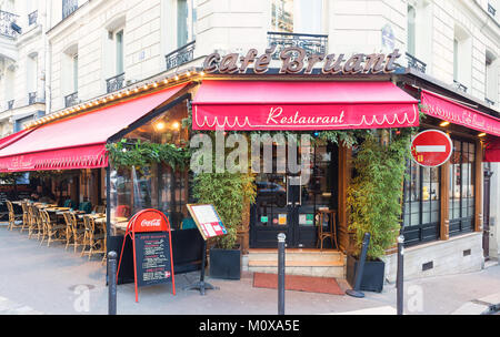 Bruant is historical cafe located in Montmatre area of Paris, France. - Stock Photo