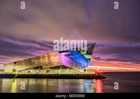 Sunrise over The Deep Aquarium, Kingston-upon-Hull. East riiding of Yorkshire. - Stock Photo
