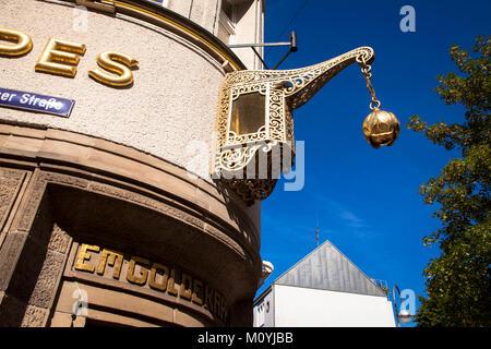 Germany, Cologne, pub 'Em golde Kappes' at the town district Nippes.  Deutschland, Koeln, Kneipe 'Em golde Kappes' - Stock Photo