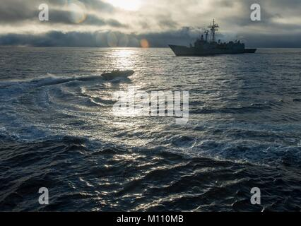 180121-N-RG482-224 ATLANTIC OCEAN (Jan. 21, 2018) A rigid-hull inflatable boat from the Arleigh Burke-class guided - Stock Photo