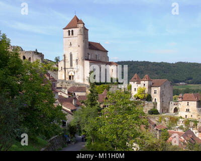 Europe, France, Midi Pyrenees, Lot, the historic clifftop village tourist attraction of St Cirq Lapopie - Stock Photo