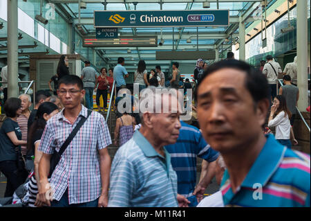 21.01.2018, Singapore, Republic of Singapore, Asia - People are bustling in front of an entrance to the Chinatown - Stock Photo