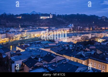 Austria, Salzburgerland, Salzburg, Museum der Moderne Monchsberg, modern art museum, above the city skyline, dawn, - Stock Photo
