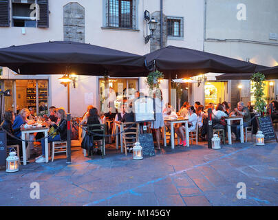 Europe,Italy,Tuscany,Florence,Restaurant,dining room,bar in old town centre - Stock Photo