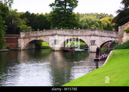 Punting in Cambridge, UK - Stock Photo