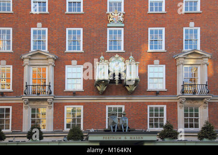 the famous fortnum and mason store london - Stock Photo