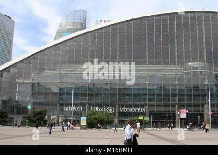 The Center of New Industries and Technologies (CNIT Conference Centre) in business district La Defense, Metropolitan - Stock Photo