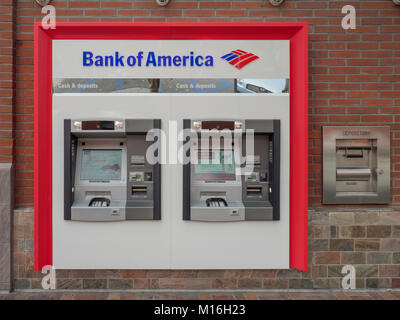 Automatic Teller Machine Atm Machines At Travelex Bureau De Change Stock Photo 115877072 Alamy